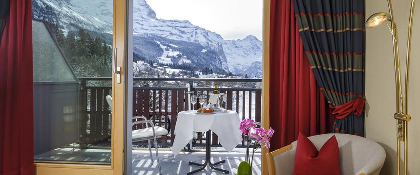 Switzerland_Wengen_Hotel-Beausite-Park-Jungfrau-Spa_twin-bedroom3.jpg